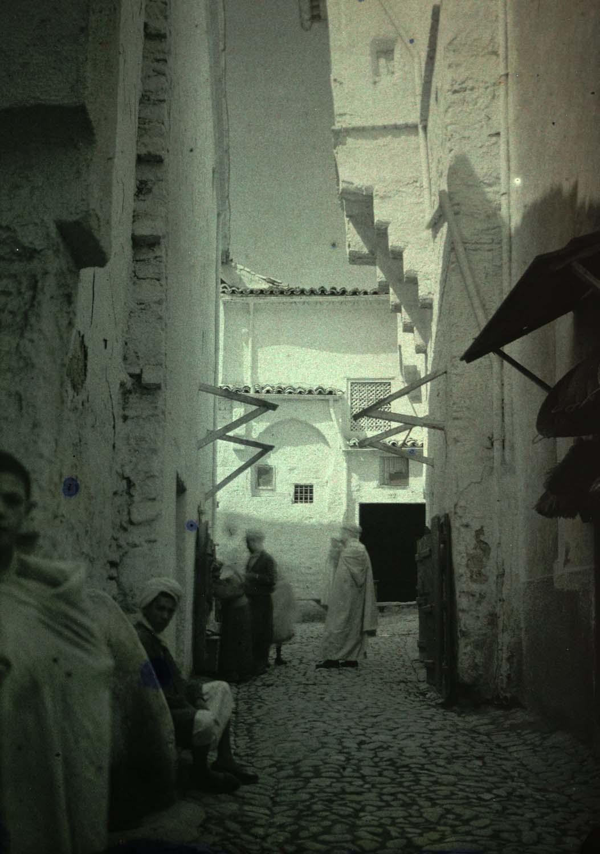 Lucien Roy, Rue étroite bordée de maisons blanches, 1913, Algérie ; Constantine