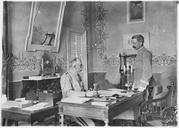Le général de Mondésir, chef de la Mission française à Corfou (février - mars 1916). Le général de Mondésir et son aide de camp dans son bureau