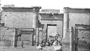 Aymard de Banville, Petit temple de la XVIIIe dynastie, Medinet-Habou, Egypte, 1863-1864