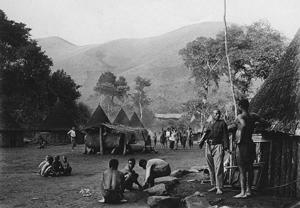 Le village au flanc de l'Eboga